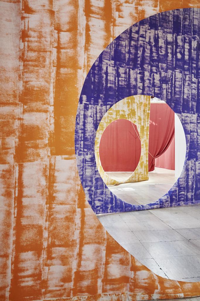 Ulla von Brandenburg, Le milieu est bleu (Palais de Tokyo, 2020)