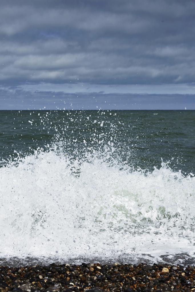 Retrouvailles - Unpredictable sea